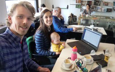 Reunión de trabajo en café Niza
